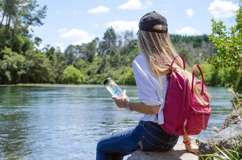 Outdoor Flaschen kaufen: Unser Ratgeber zu Größe, Material und Form